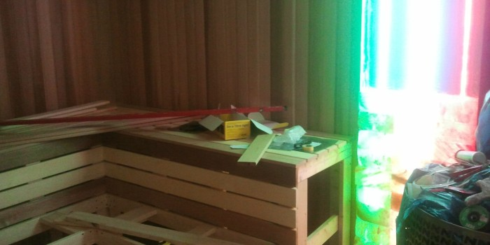 Отделка бани с установкой светящихся солевых панелей