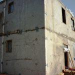 Двухэтажный панельный дом в Иркутске